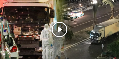 vid o attentat meurtrier nice un camion fonce dans la foule r unie pour le feu d 39 artifice du. Black Bedroom Furniture Sets. Home Design Ideas